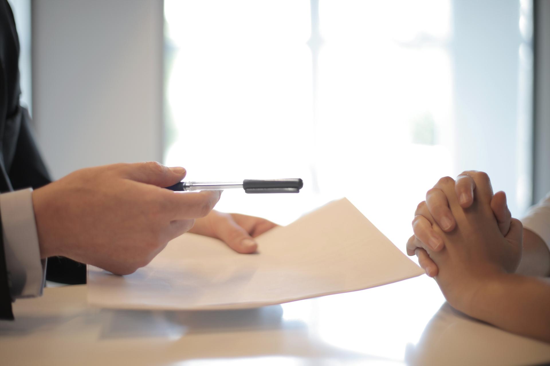 Особое внимание необходимо уделить правоустанавливающим документам на жилье