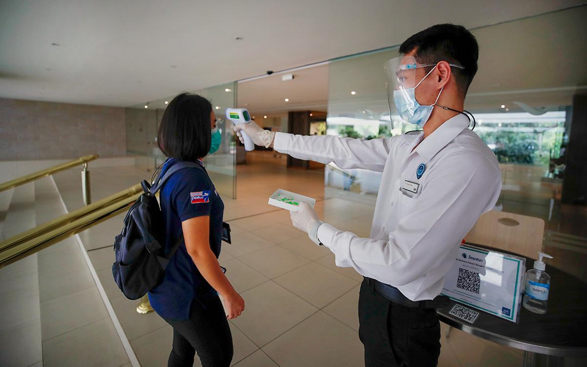 Таиланд вдвое сократит карантин для вакцинированных иностранцев