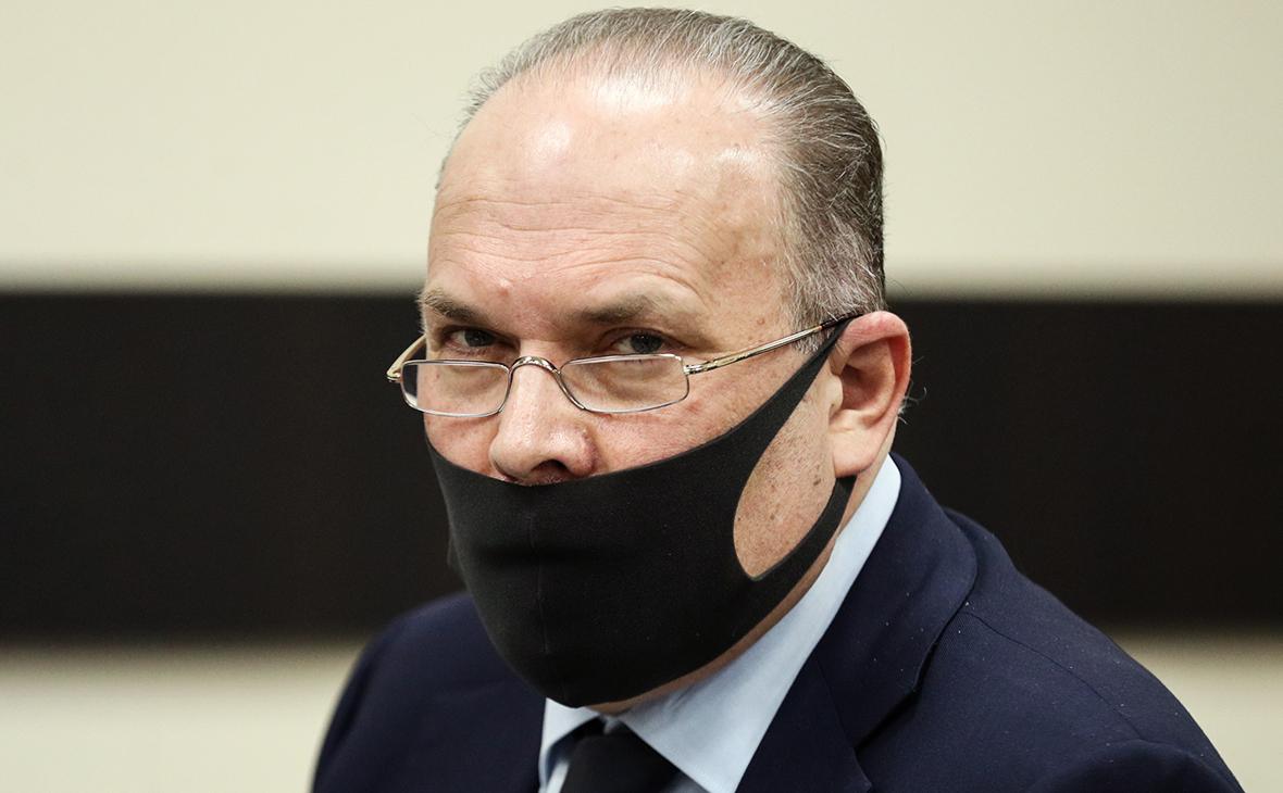 Власти нашли замену для обвиненного в коррупции Меня и его коллеги