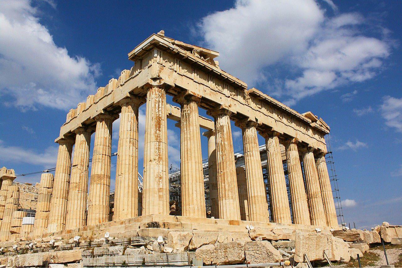 По внешнему виду колонн можно понять, к какому архитектурному ордеру они относятся
