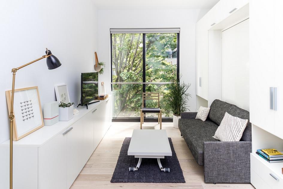 Обширное остекление позволяет нетолькомаксимизировать уровень солнечного освещения, нои визуально увеличить площадь квартиры