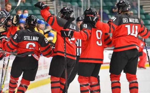 Фото: Игроки сборной Канады (Фото: сайт Федерации хоккея Канады)