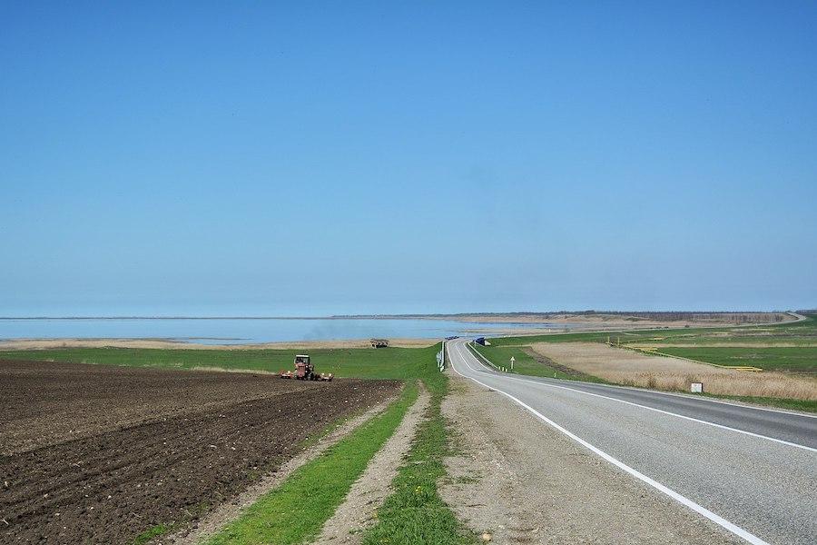 Панорама Ханского озера на Кубани