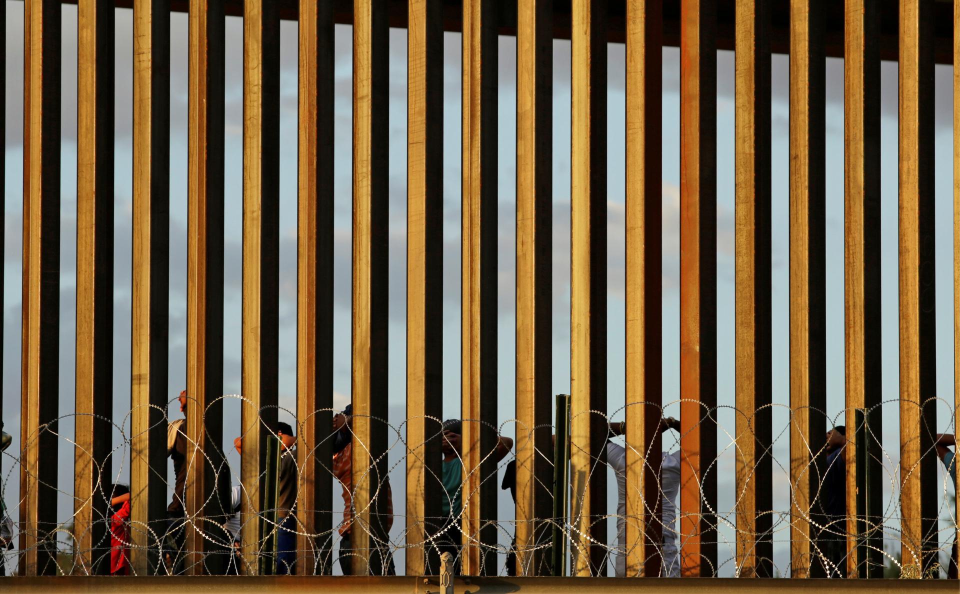 Нелегальные мигранты в Эль-Пасо (штат Техас)
