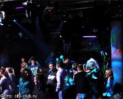 напали в клубе москва