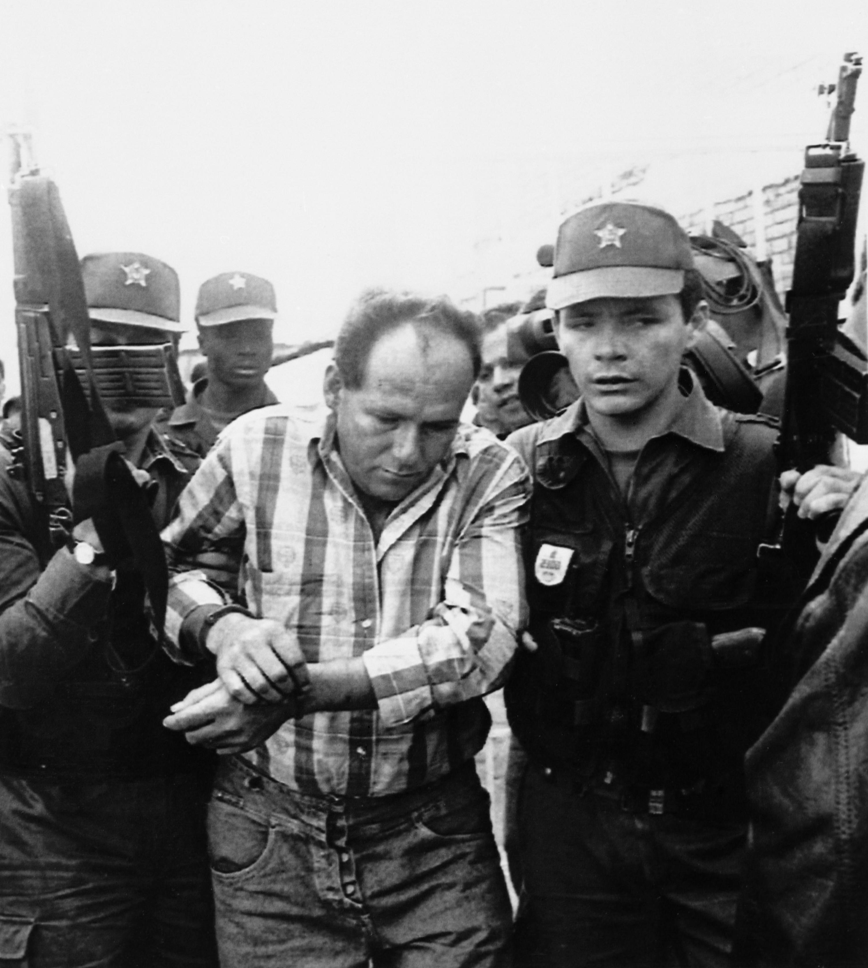 3 июля 1993. Арест Умберто Муньоса