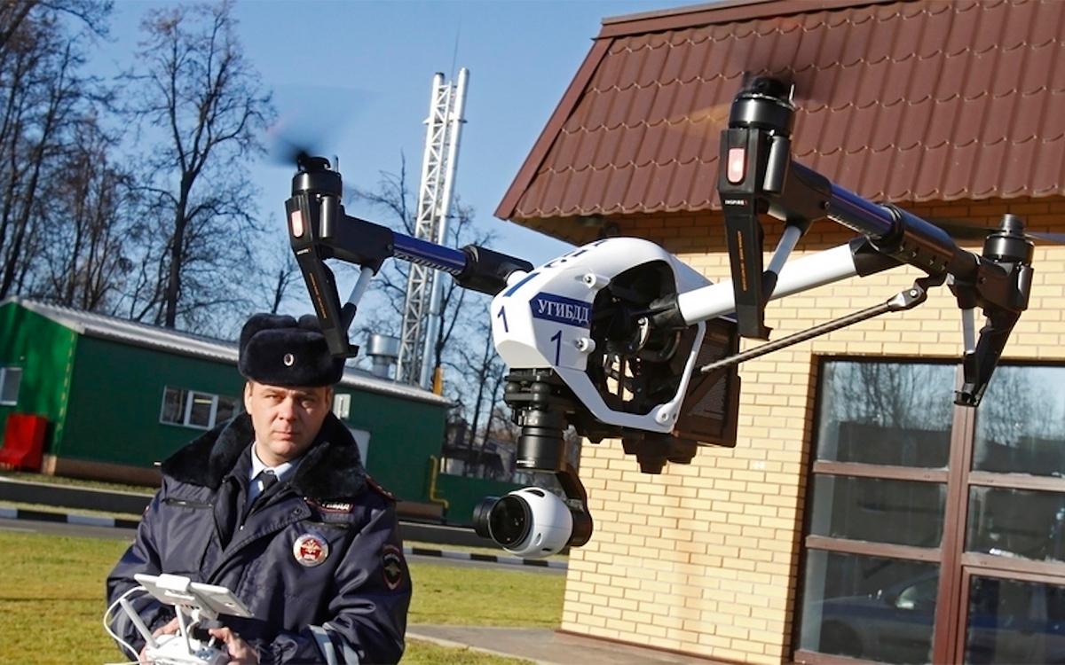 <p>Первые дроны ГИБДД запустила в небо еще в 2014 году.</p>