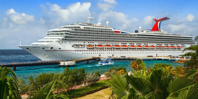 Круизный лайнер Carnival Conquest