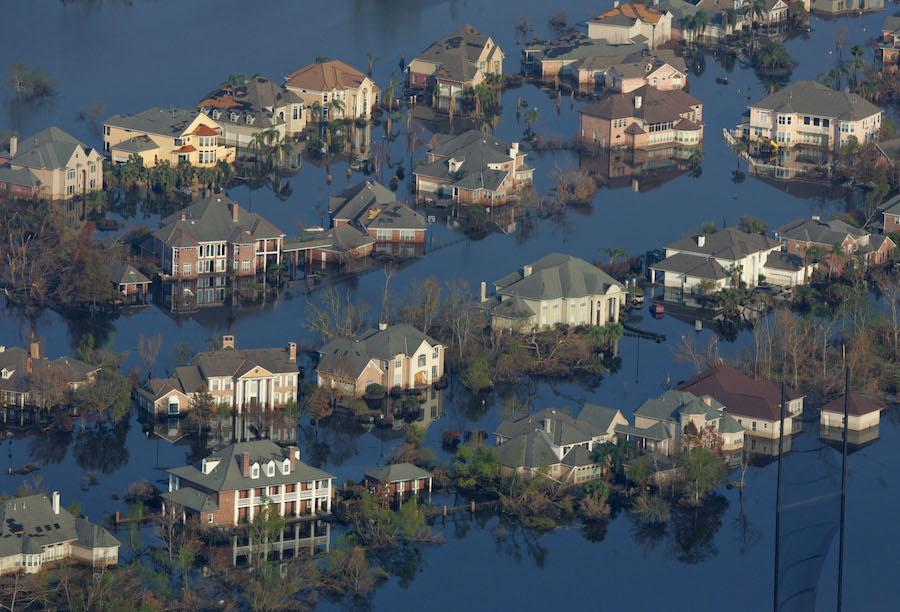 Затопленный и покинутый квартал Нового Орлеана, 12 сентября 2005 года