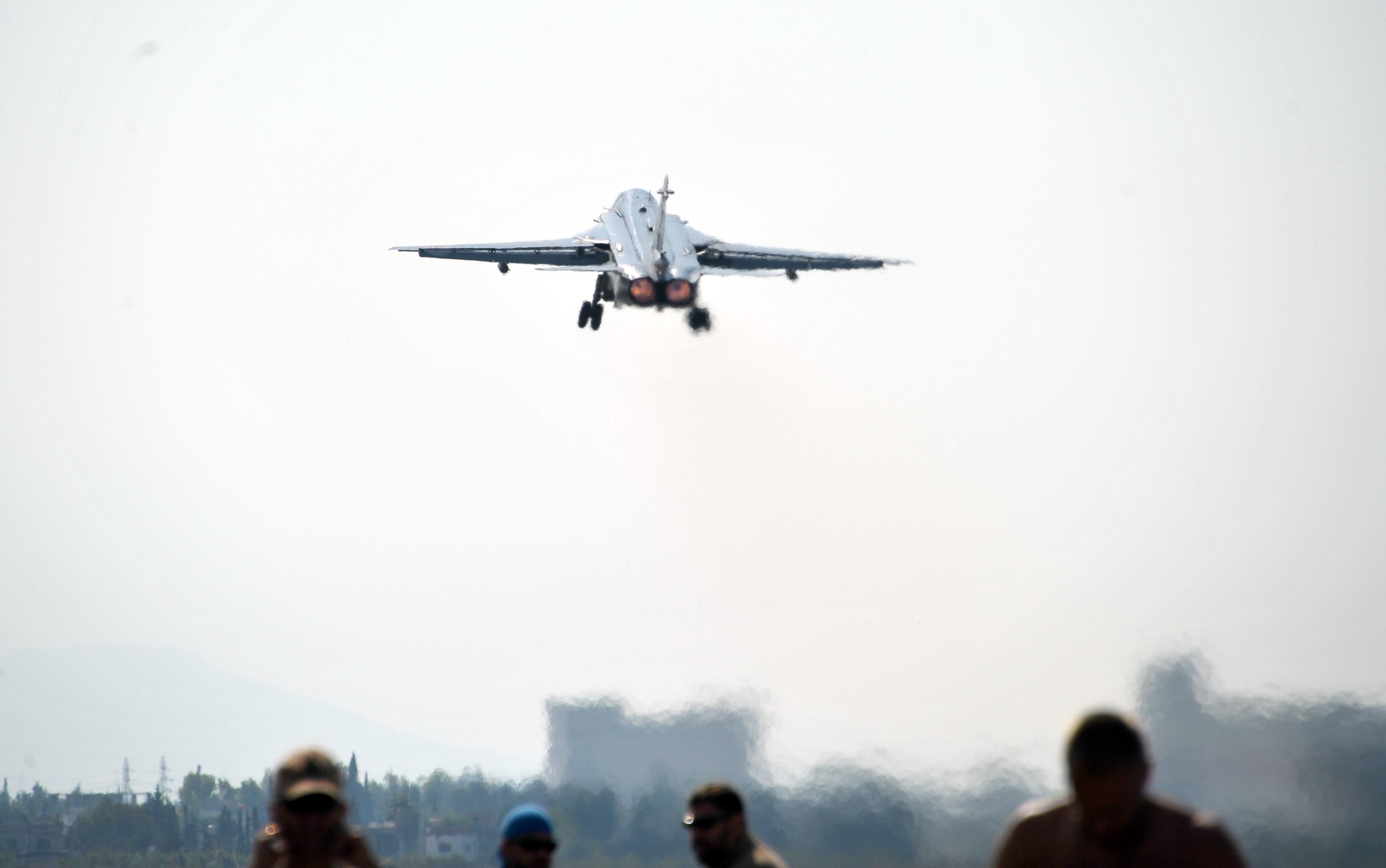 На границе с Турцией сбили российский бомбардировщик Су-24