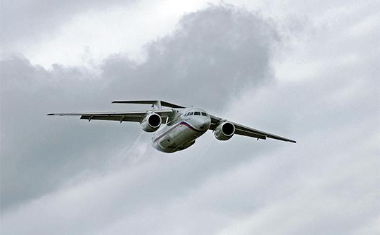 Самолет Ан-148 вовремя демонстрационного полета