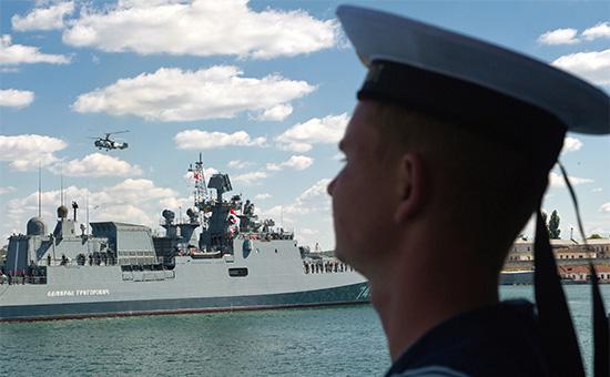 Сторожевой корабль «Адмирал Григорович» вСевастопольской бухте