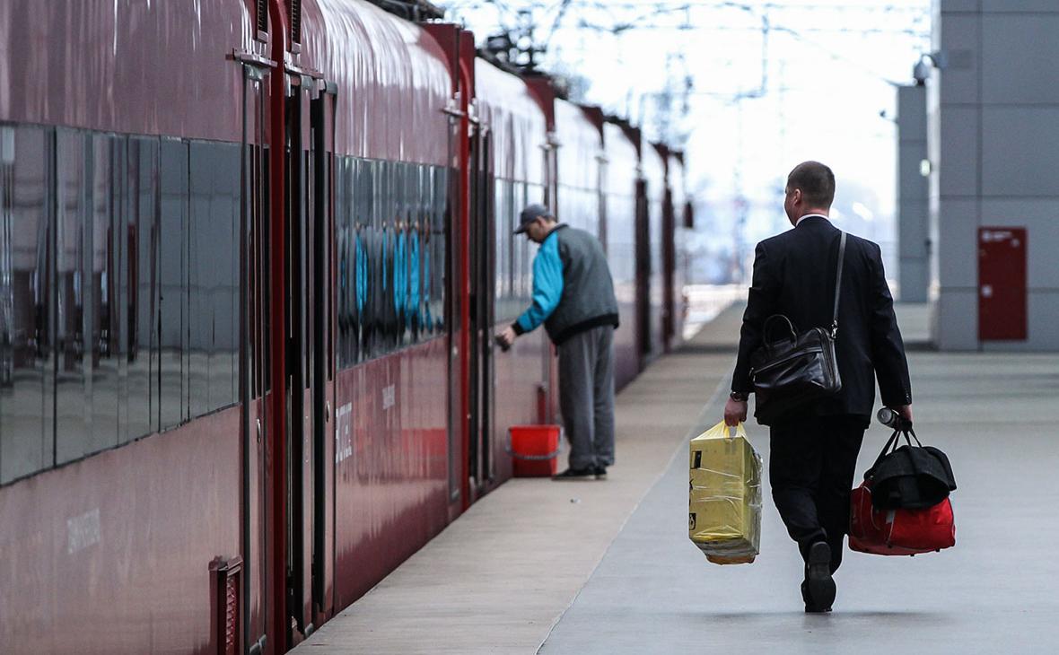 МИД назвал неопределенным срок отмены ограничений на въезд иностранцев