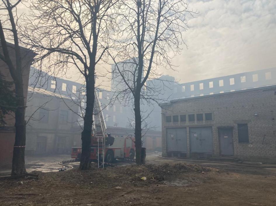 Уцелевшие после пожара здания «Невской мануфактуры»