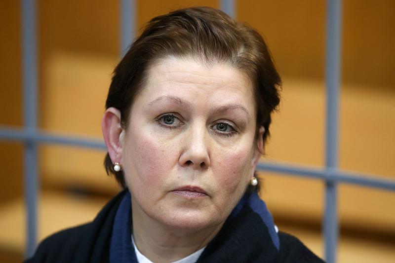 Директор Библиотеки украинской литературы Наталья Шарина, обвиняемая в экстремизме и растрате, во время рассмотрения уголовного дела в Мещанском суде