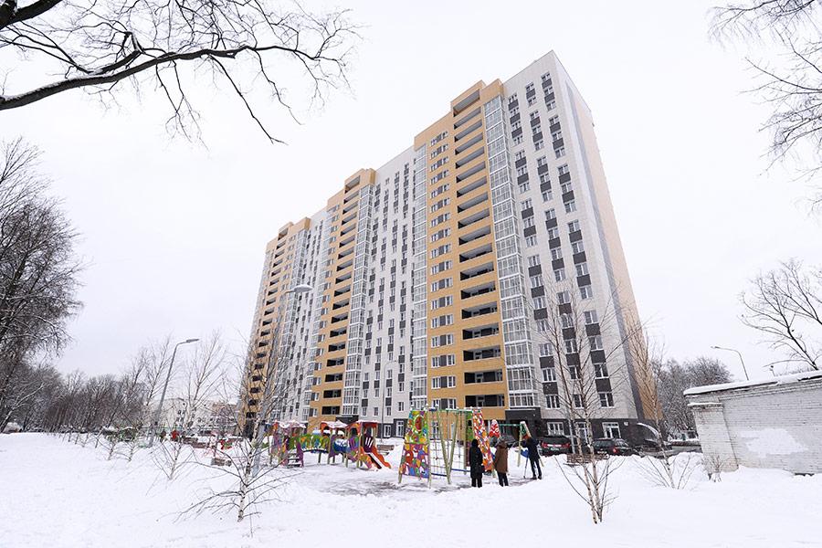 В первом доме по программе реновации, которые уже называют «собянинками», 18 этажей, три подъезда и 340 квартир.
