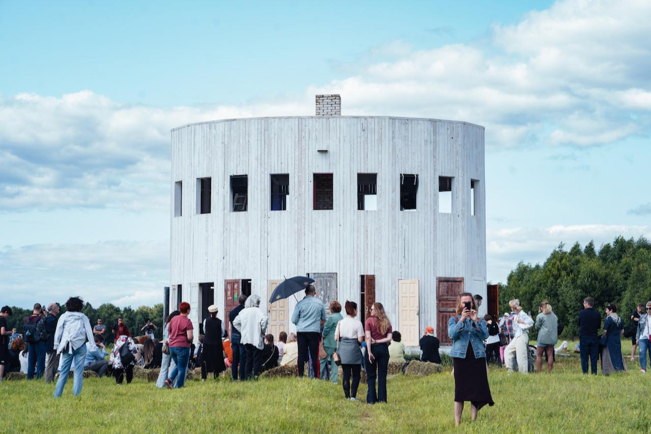 Арт-объект «Ротонда» в Никола-Ленивце, где ежегодно проходит «Архстояние»