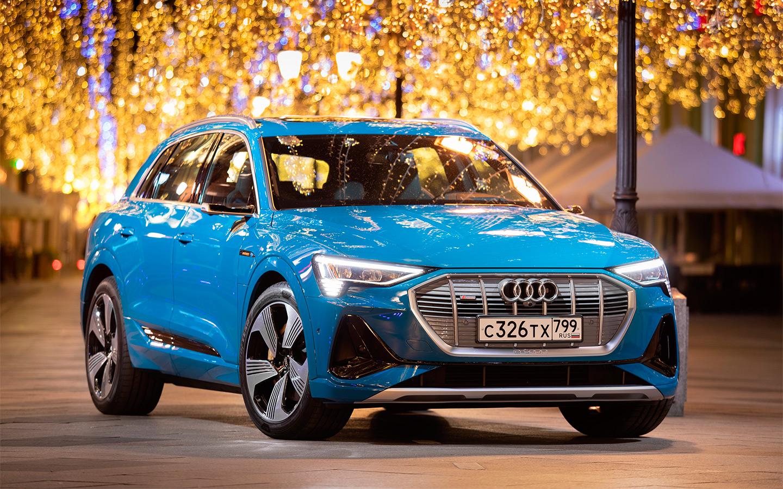 <p>Импортом электрокаров в Россию занимаются только премиальные марки. Например, Audi продает e-tron S.</p>