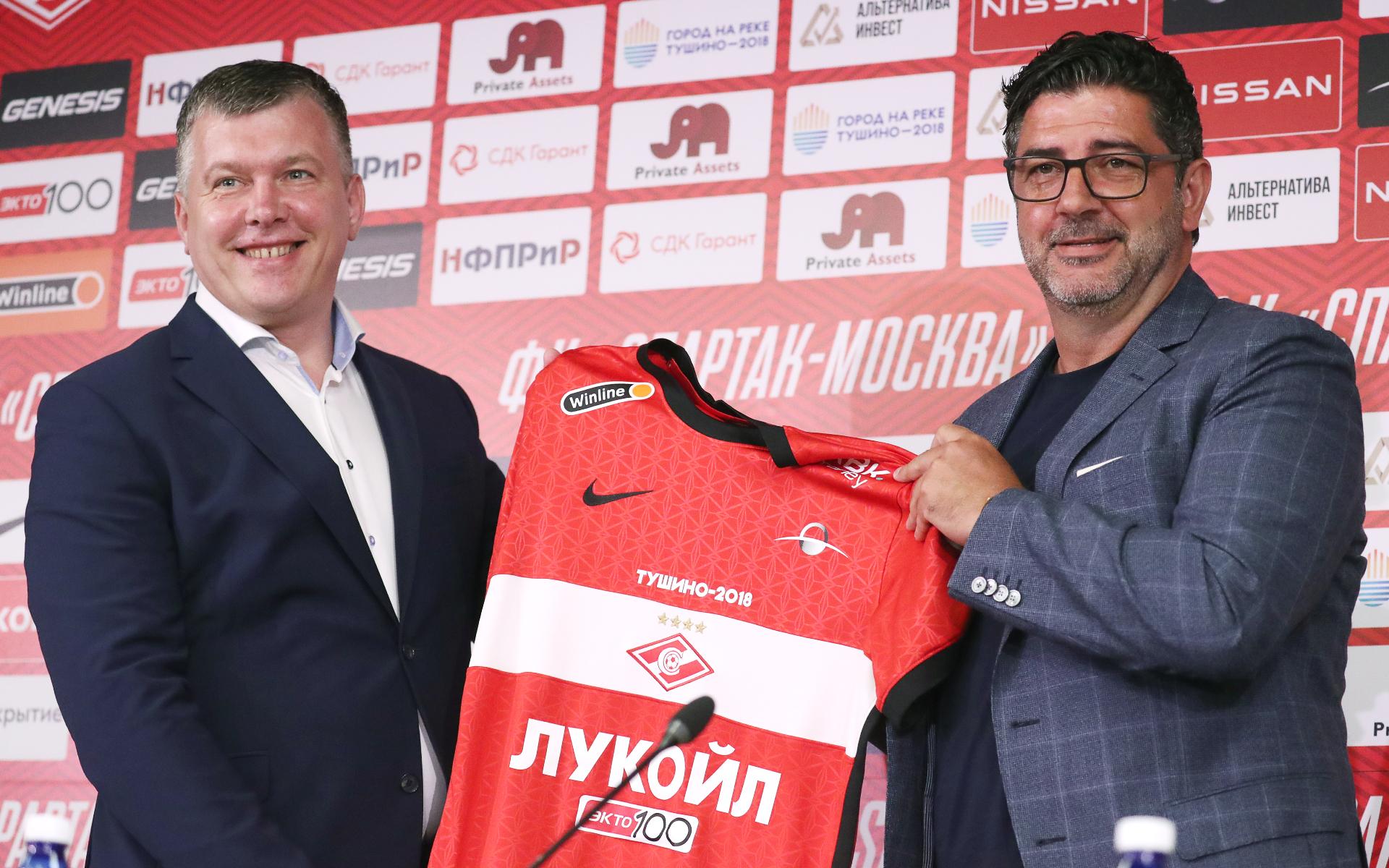 Фото: Евгений Мележиков (слева) и Руй Витория (справа) (Сергей Фадеичев/ТАСС)