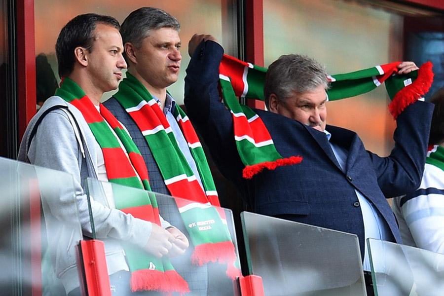 Аркадий Дворкович (слева) во время матча между командами «Локомотив» и «Краснодар»