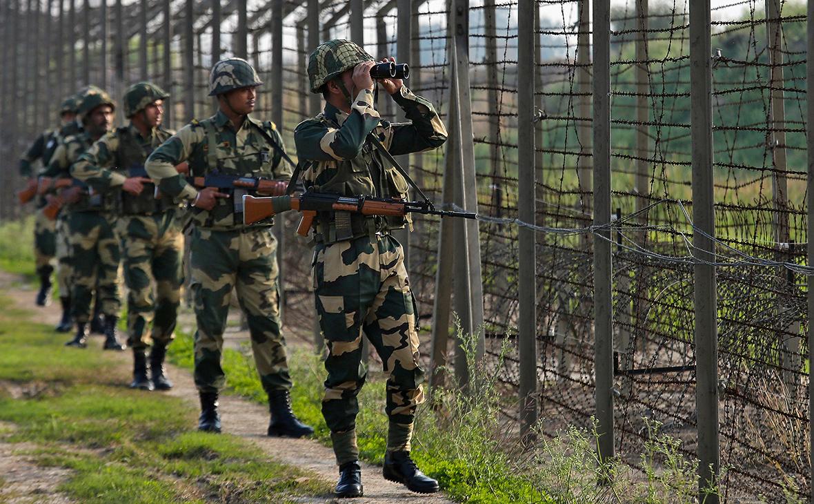 Индийские солдаты на границе с Пакистаном