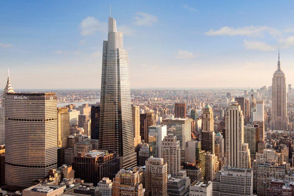 Архитекторы изKohn Pedersen Fox называют One Vanderbilt (в центре) преемником знаковых небоскребов Нью-Йорка—Эмпайр-стейт-билдинга, Крайслер-билдинга иВулворт-билдинга, построенных вначале XX века
