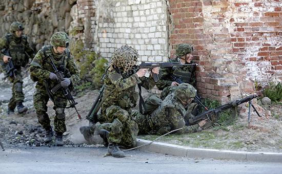 Эстонские военнослужащие вовремя учений, 13 мая 2016 года