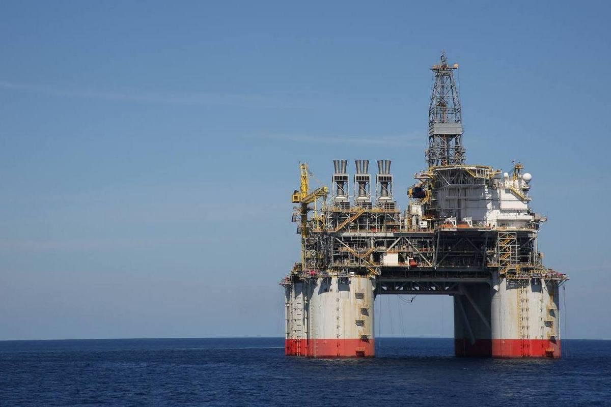 Добыча нефти и газа на месторождении Big Foot в Мексиканском заливе. Компания Chevron, которая ведет здесь добычу, рассчитывает, что обнаруженных здесь запасов в 200 млн баррелей хватит на 35 лет