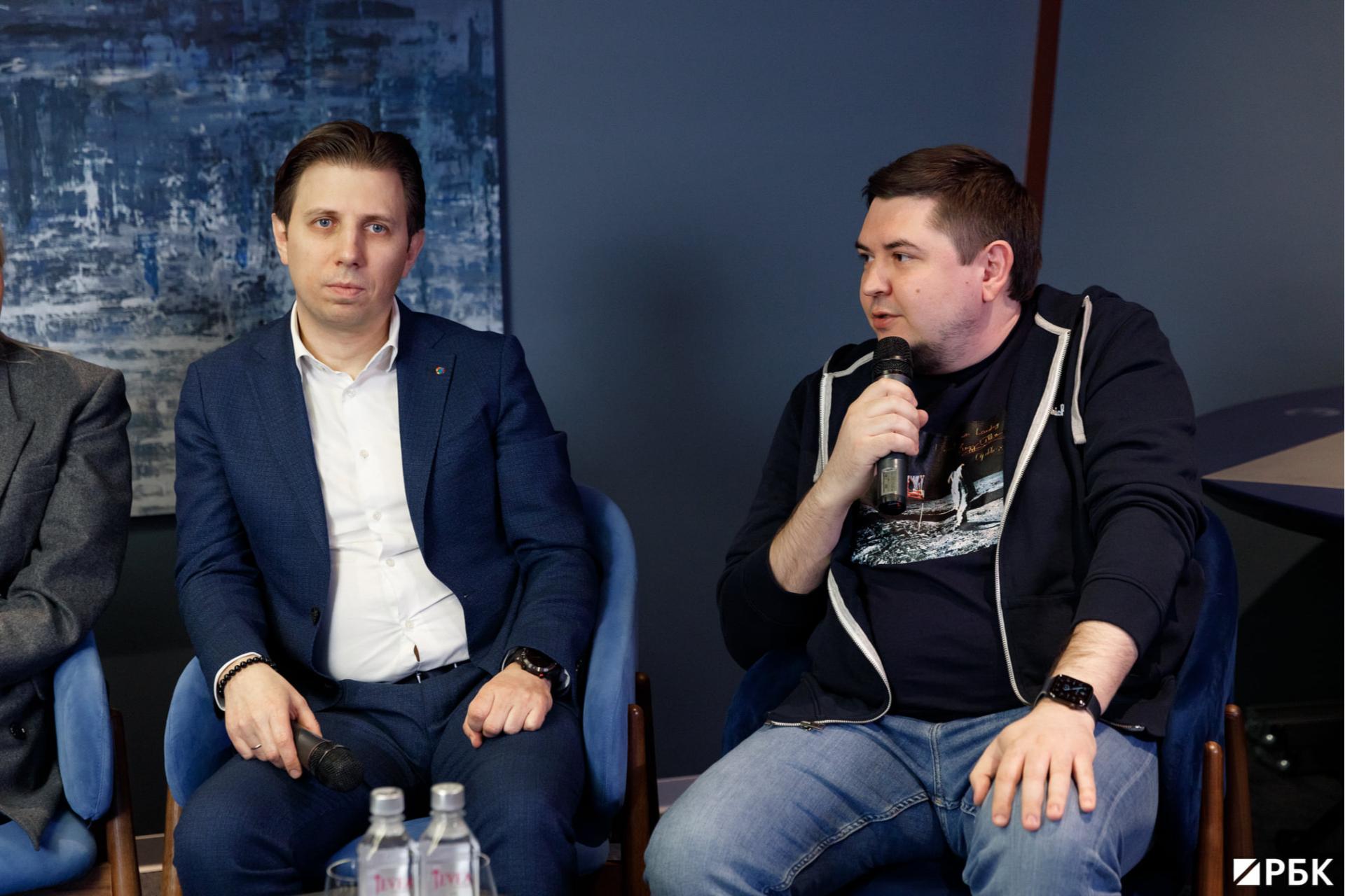 Основатель инвестиционно-строительной компании А+ Capital Роман Смолевский (справа)