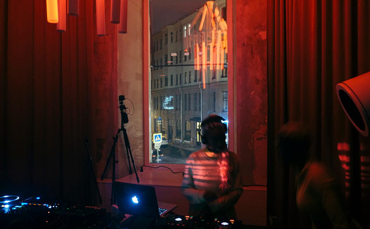 Закрытие ночных клубов из за коронавируса стриптиз клуб мужской москва