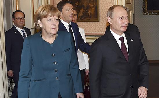 "Президент РФ Владимир Путин (справа) и канцлер ФРГ Ангела Меркель на саммите ""Европа-Азия"" в Милане, октябрь 2014 г."
