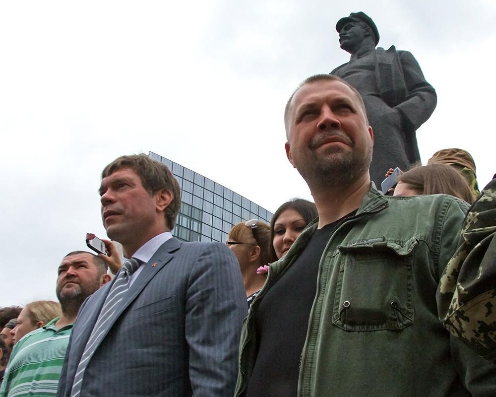 Премьер-министр ДНР Александр Бородай и глава Народного фронта Новороссии Олег Царев (справа налево)