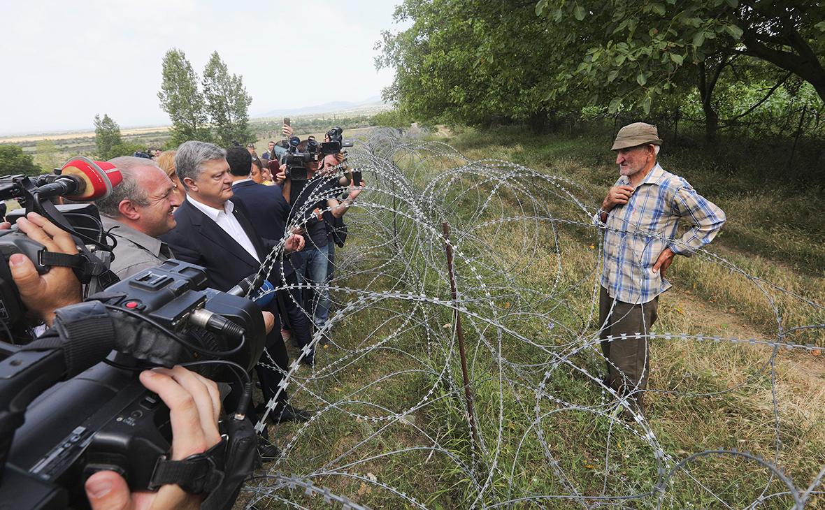 Петр Порошенко во время визита в Грузию