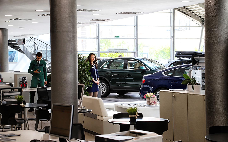 <p>Отсрочка повышения утилизационного сбора поддержала рынок и помогла замедлить рост цен на автомобили, уверяют производители.</p>