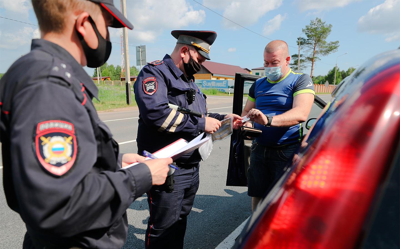 <p>Инспекторы ГИБДД начали активно использовать административный арест в качестве борьбы с водителями, которые передвигаются без обязательной автогражданки.</p>