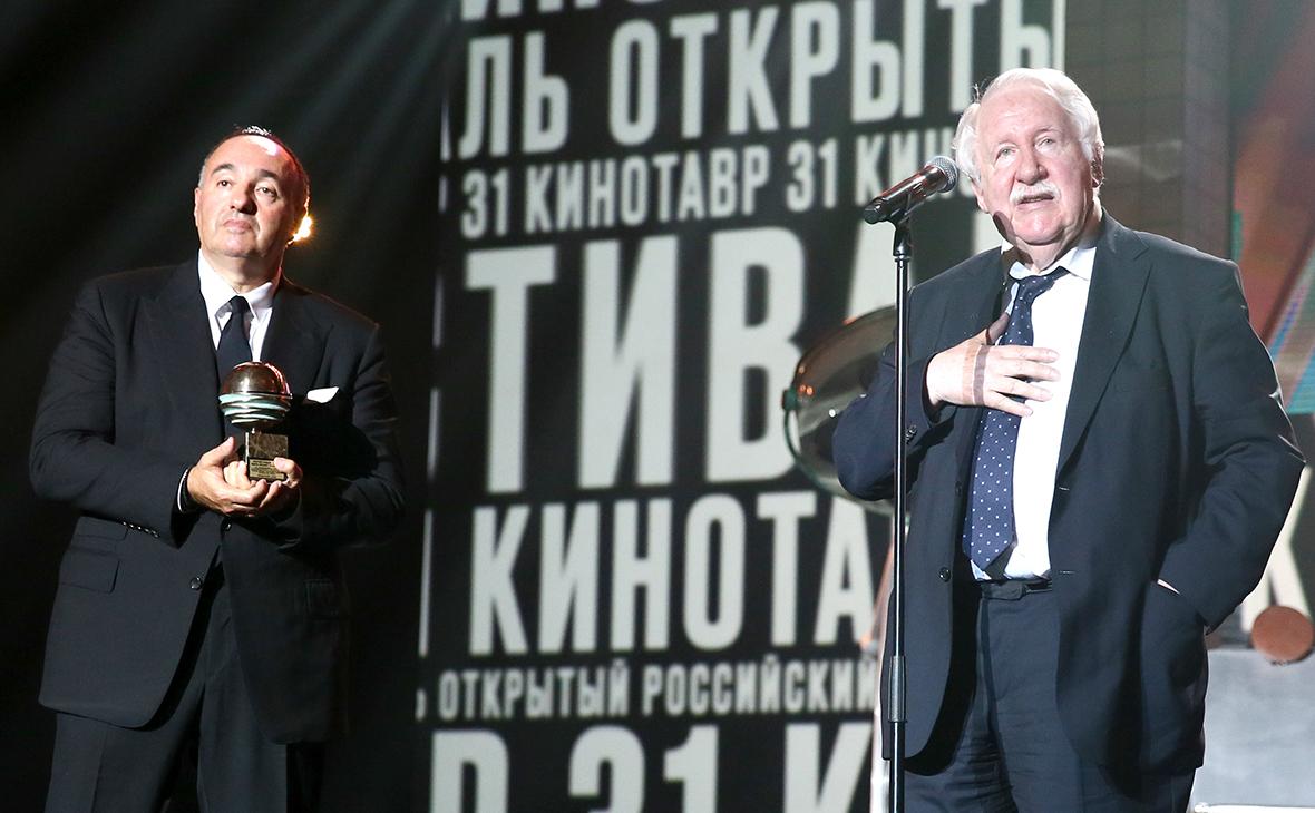 Андрей Хржановский (справа)