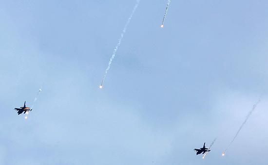 Американские истребители F-16