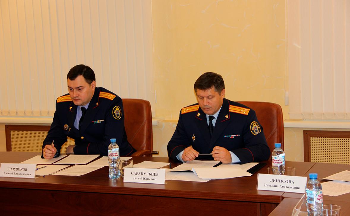 Сергей Сарапульцев (справа)