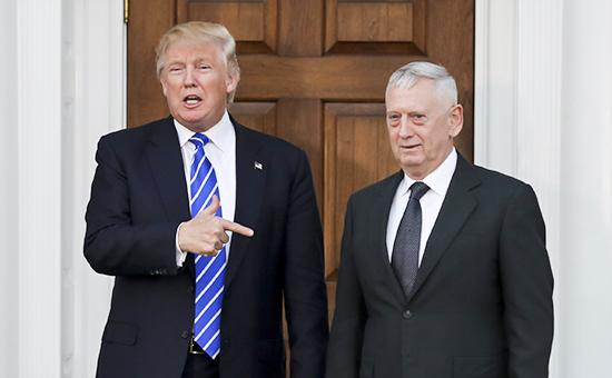 Избранный президент США Дональд Трамп и генерал Корпуса морской пехоты США в отставке ДжеймсМаттис