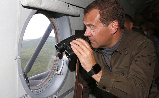 Премьер-министр России во время посещения острова Итуруп