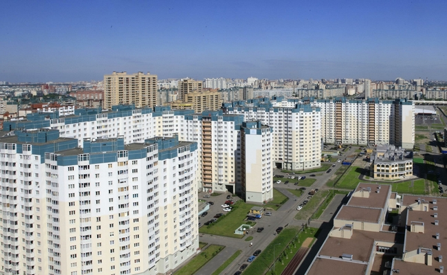 Новостройки в спальном районе Санкт-Петербурга