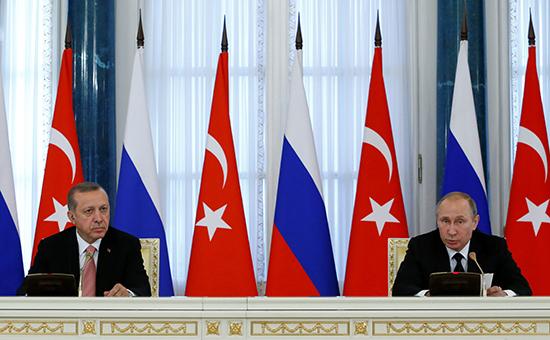 Президент Турции Реджеп Эрдоган (слева) ипрезидент России Владимир Путин вовремя встречи вСанкт-Петербурге, 9 августа 2016 года
