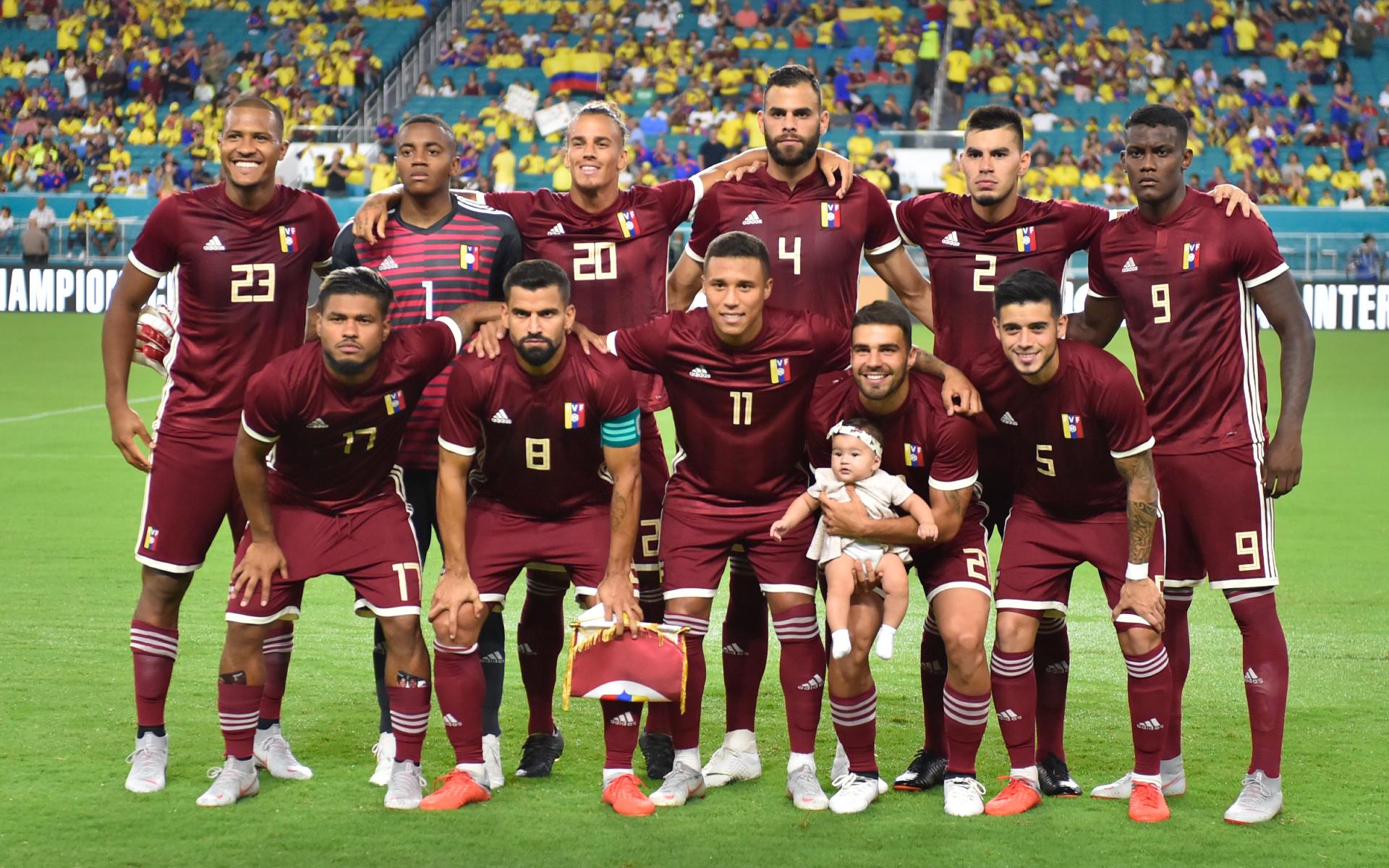 Фото: Игроки сборной Венесуэлы (Eric Espada/Getty Images)