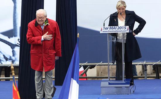 Основатель Национального фронта Жан-Мари Ле Пен и его дочь Марин Ле Пен