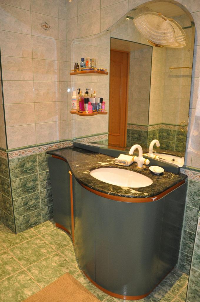 В квартире две ванные комнаты. В обеих установлена новая сантехника, выполнен ремонт