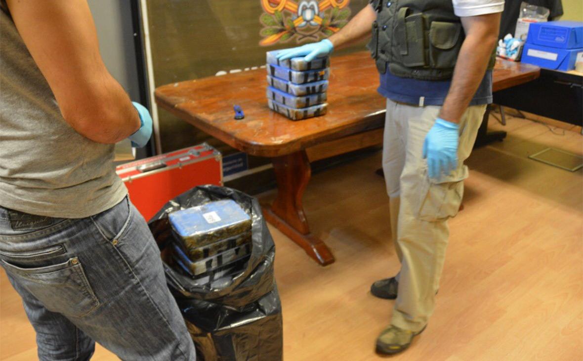 Спецслужбы Аргентины заменяют кокаин на муку в декабре 2016 года