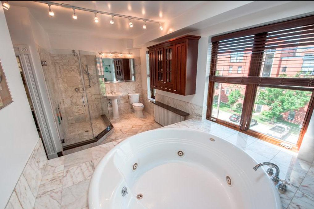 Главная ванная сджакузи
