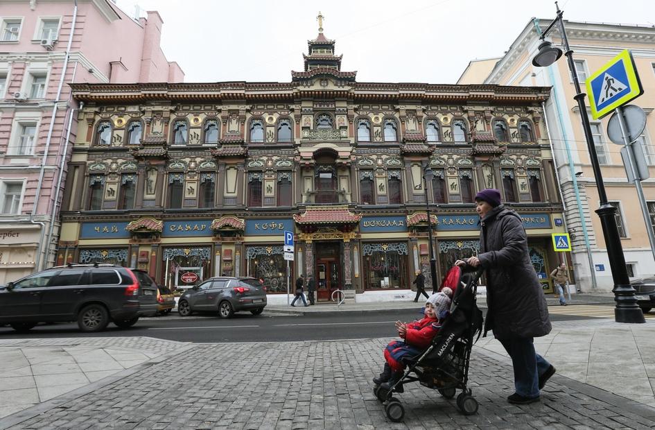 На последнем месте рейтинга топ-7 самых дорогих торговых коридоров столицы — Мясницкая улица. Минимальная арендная ставка здесь составляет 70 тыс. руб. за 1 кв. м в год, максимальная — 100 тыс. руб.