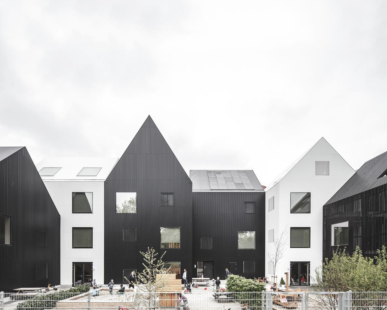 Номинация «Образовательные учреждения»  Объект: Frederiksvej Kindergarten  Расположение: Фредериксберг, Дания  Архитектурное бюро: COBE