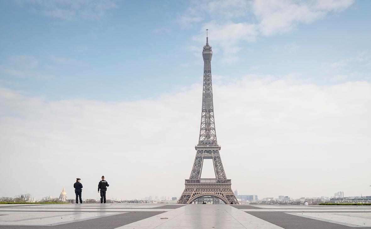 На Эйфелеву башню будут пускать только привитых от коронавируса граждан